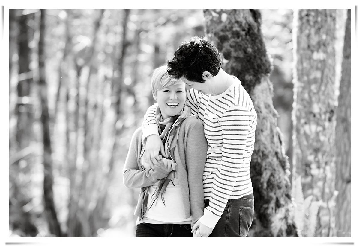 Bridal-Veil-Lakes-same-sex-engagement-session-02.png
